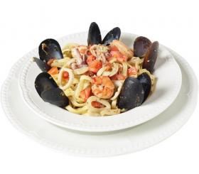 Спагетти с креветками и мидиями